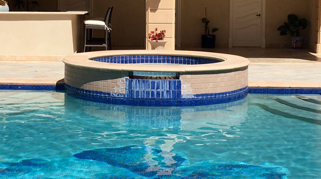 Top rated pool tile cleaning company in Northridge, CA